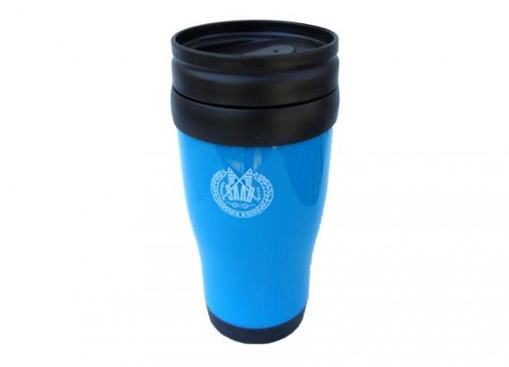 Sininen termosmuki Saab-klubin logolla